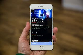 How to download Netflix movies and TV shows on your phone