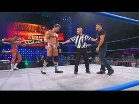 """Ronnie from MTV's """"Jersey Shore"""" Makes His Wrestling Debut"""