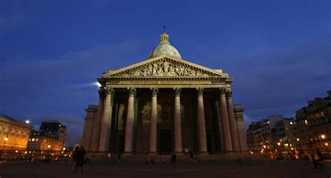 Holocaust survivor Simone Veil to be honored with Pantheon