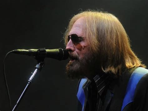 Tom Petty plays 40 years of hits in two hours - OnMilwaukee