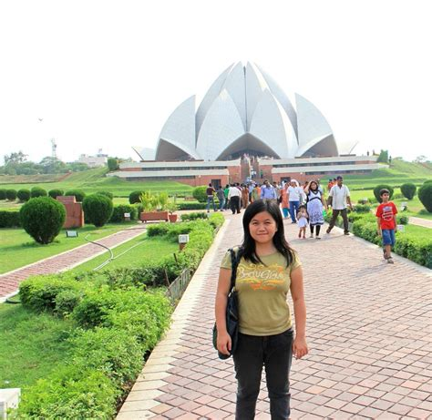 Farewell to Elena, Exploring Red Fort, Bahai Lotus Temple