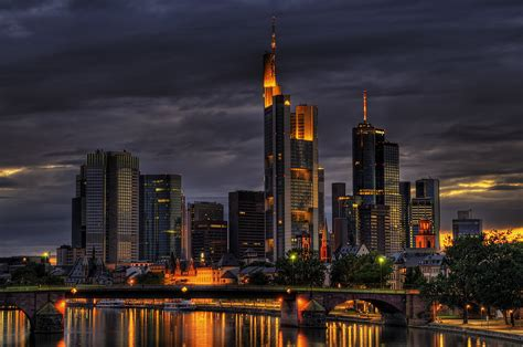 10:03 pm - Frankfurt am Main   Get here a large view! www