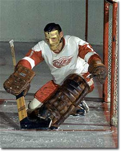 Terry Sawchuk adopted the mask during the 1962-63 season